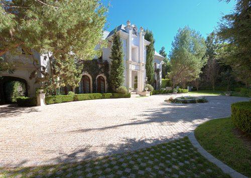 Michael Jackson's final residence – 100 N. Carolwood Dr., Bel Air, CA